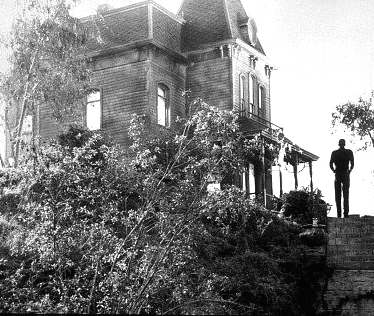 Psycho_house_on_hill_Norman_Bates