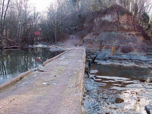 800px-Middle_Island_Creek_Jug_bridge